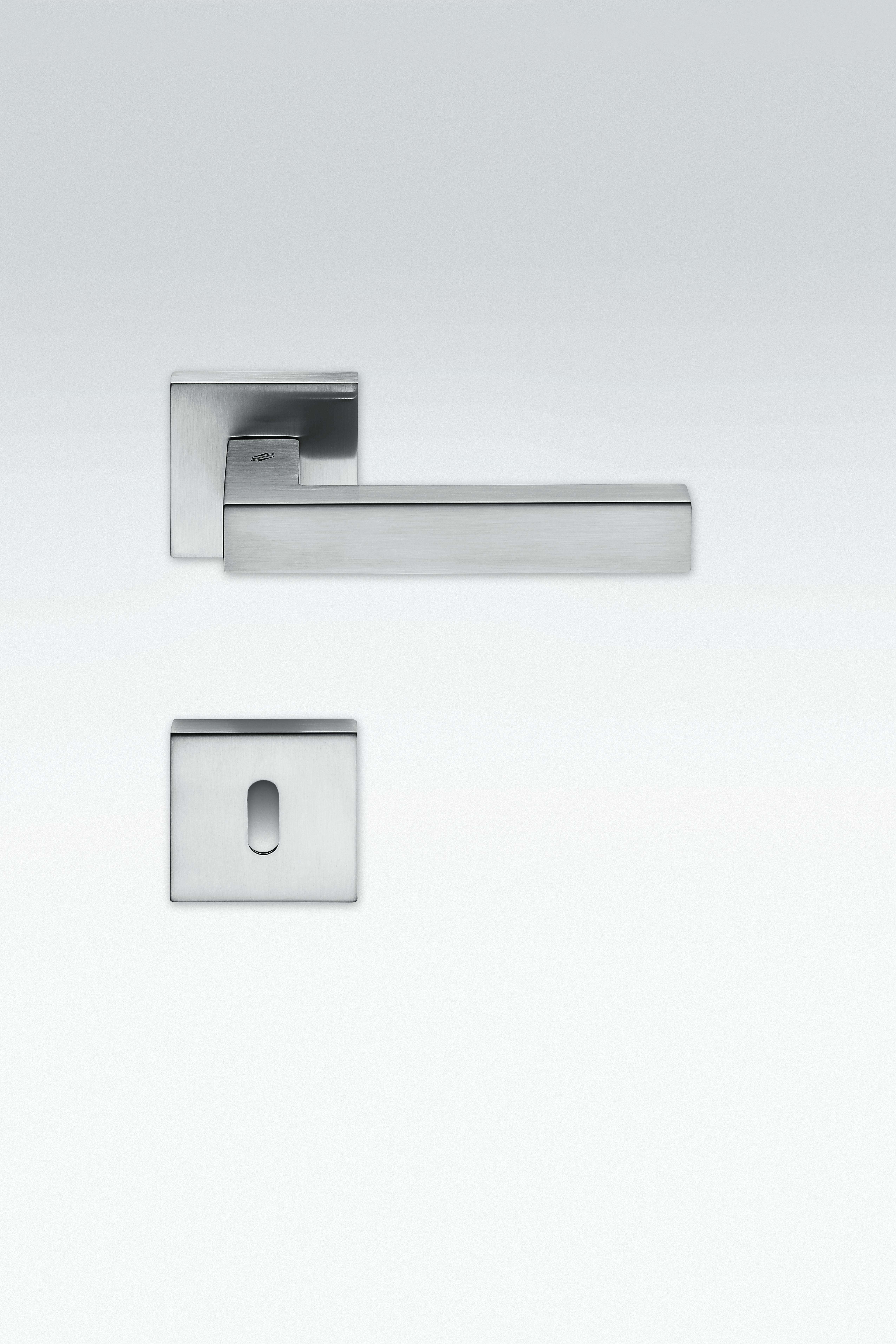 ... Colombo Design Ellesse Door Handle ... & Colombo Design Luxury Door Handle Range | Moore \u0026 Moore Doors